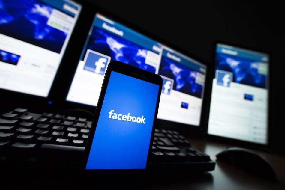 10 Best Hidden Facebook Tricks