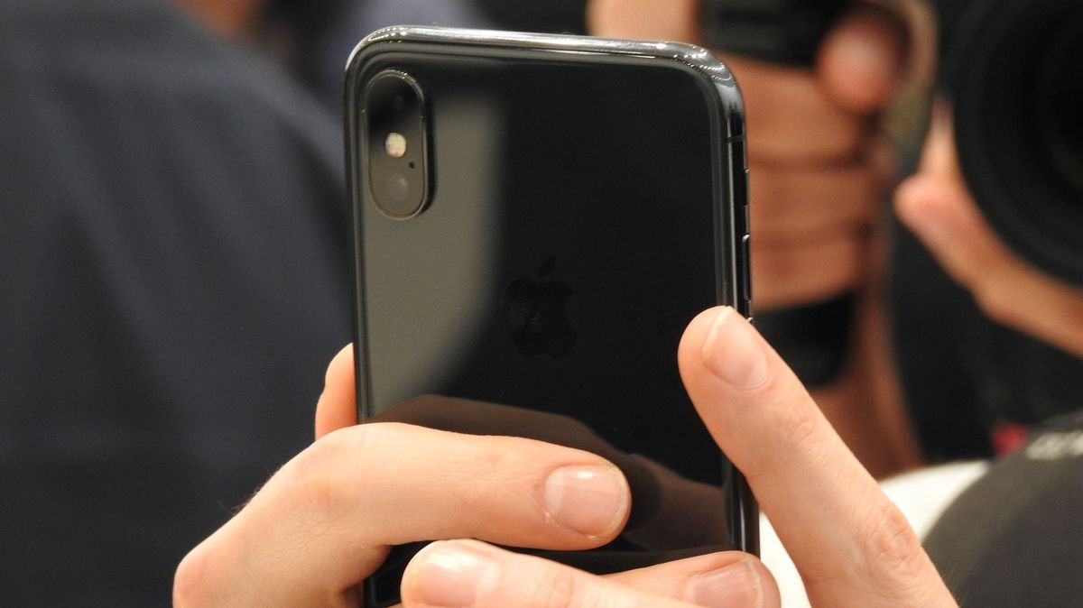 Top 25 iPhone X Tips and Tricks