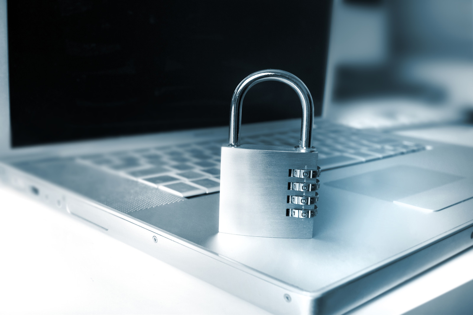 How To Improve Your Online Security : 10 Tips