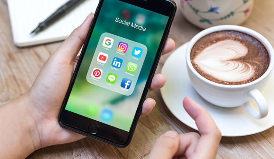 Positive And Negative Aspect Of Social Media | Pros & Cons