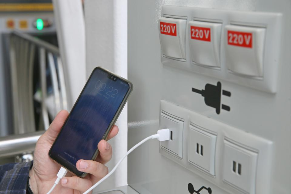 Here's Why You Should Avoid Public USB Charging Stations