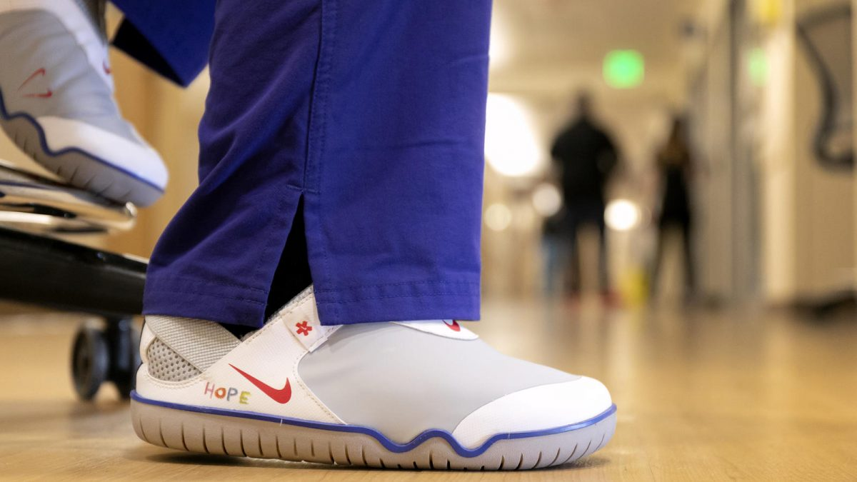 Nike Will Donate 30,000 Pairs Of Shoes To Health Care Workers