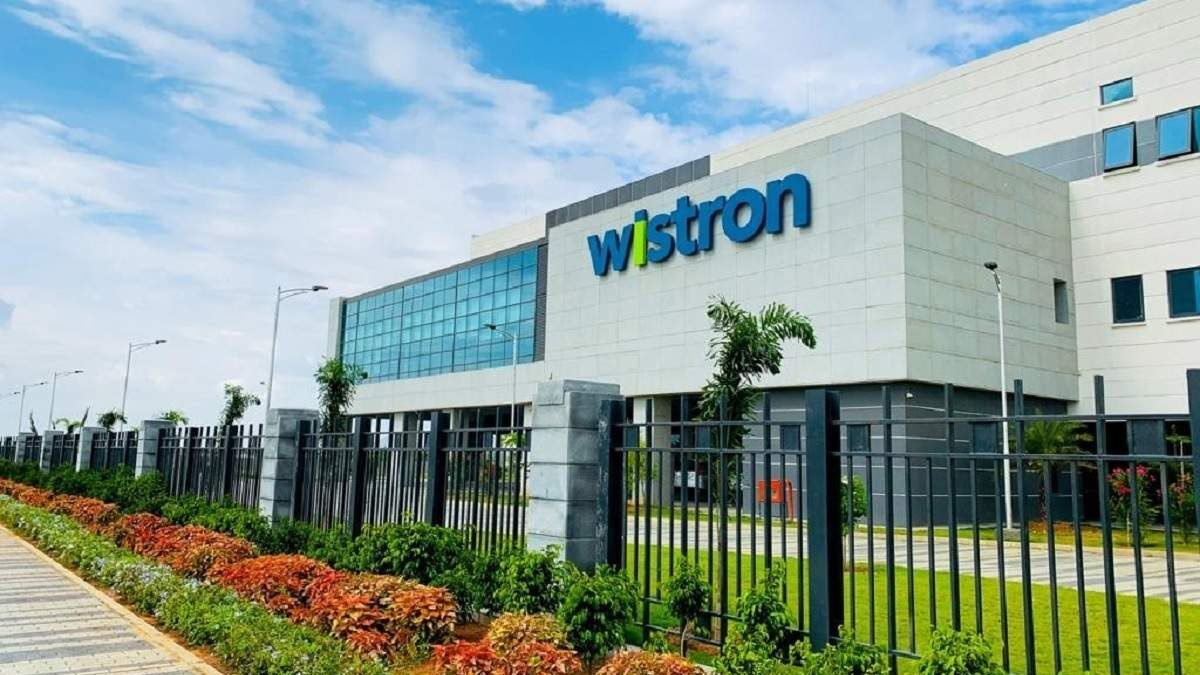 Workers Protest At Wistron iPhone Manufacturing Plant In India Over Pay Issues