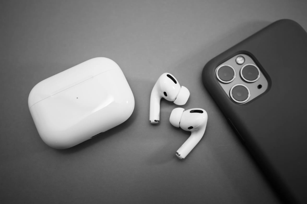 Apple To Cut AirPods Production Due To Decreasing Sales