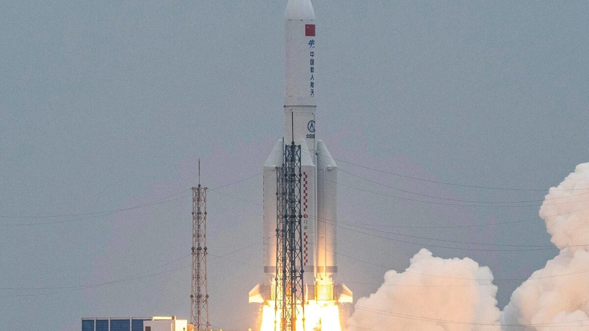 'Out Of Control' Chinese Rocket Falls Over Indian Ocean
