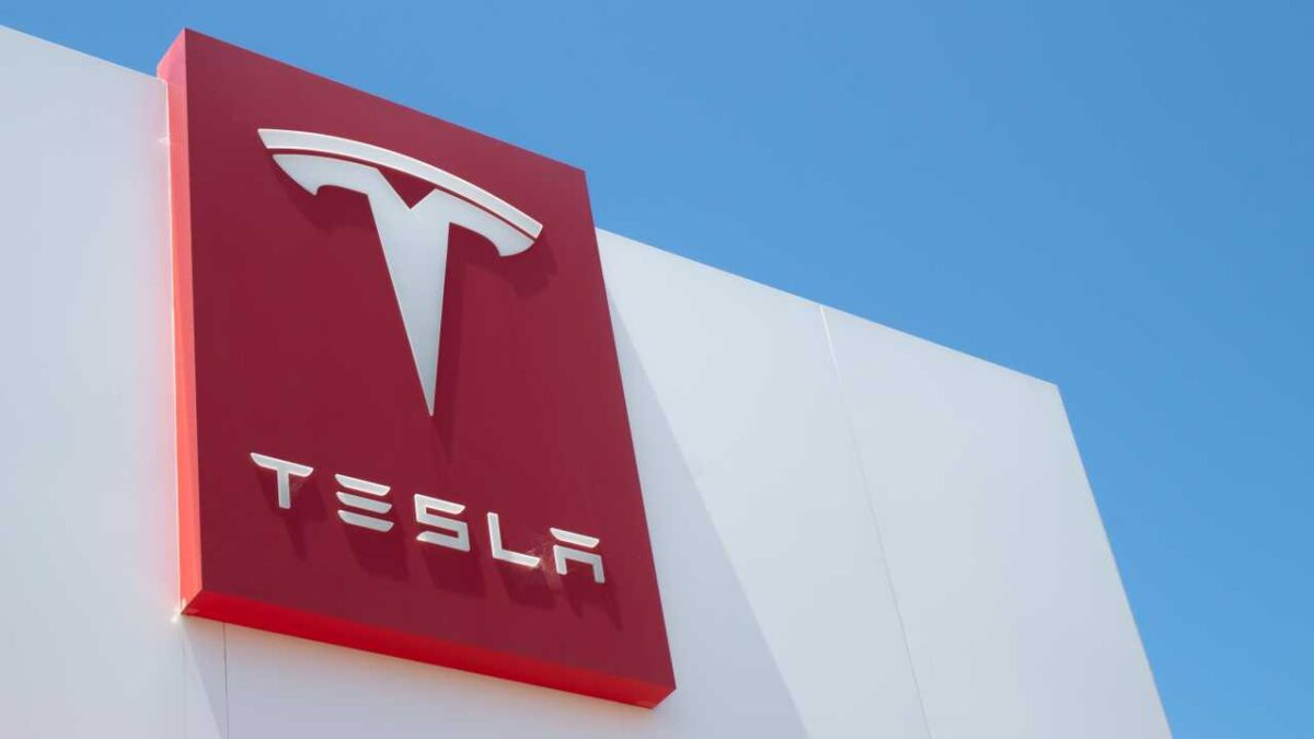 Tesla Launches Self Driving Subscriptions For $199 A Month